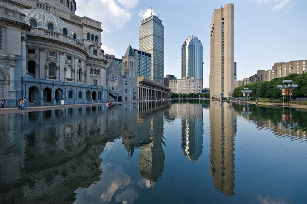 Christian Science Center Reflection Pool via Wikimedia Commons